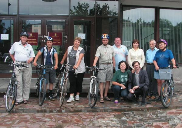 Bicycling group with deputies at the Petrozavodsk meria
